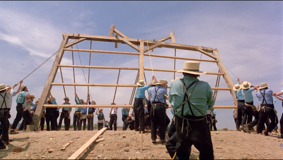 Witness-barn-raising-scene-Bluray-screenshot-3